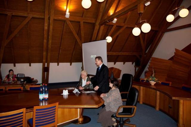Hájos Zoltán üdvözli a résztvevőket